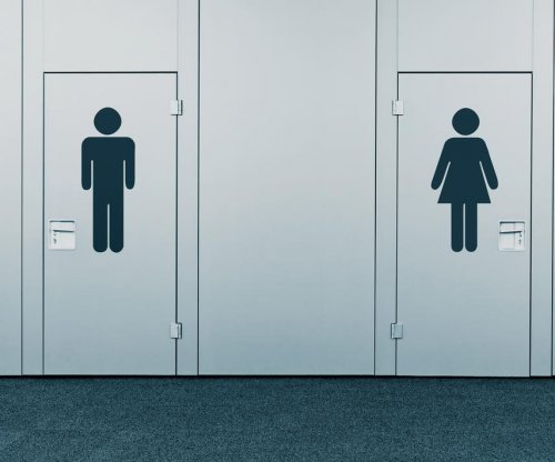 Obama administration: Let transgender students use the bathroom they choose