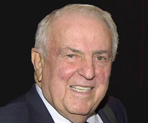 Presidential Medal of Freedom winner Abner J. Mikva dead at 90