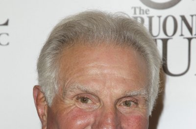 Hall of Famer Nick Buoniconti says he has memory loss, calls treatment by NFL 'a joke'