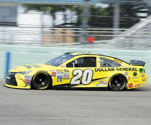 NASCAR: Matt Kenseth takes step toward playoff with Richmond pole run