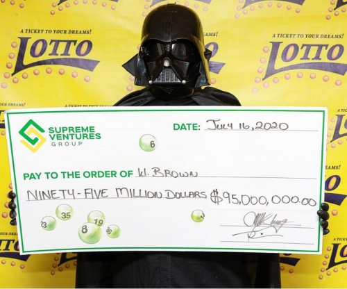 Lottery winner hides identity with Darth Vader costume