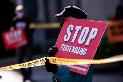 Virginia lawmakers send bills to abolish death penalty to Gov. Northam