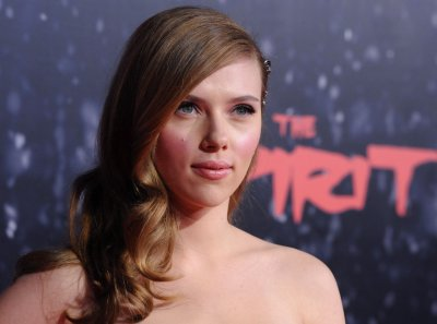 Johansson's snotty tissue fetches $5,300