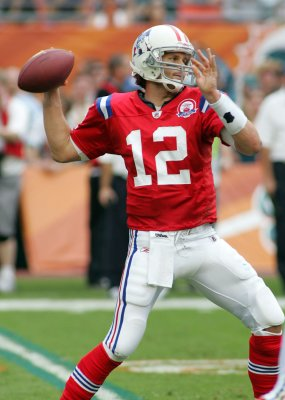 Tom Brady named top AFC offensive player