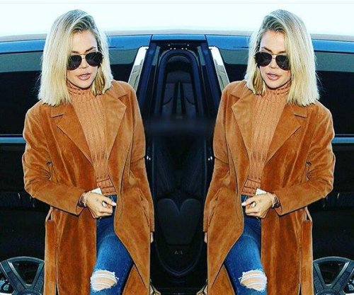Khloe Kardashian's plane makes emergency landing during NYC-bound flight