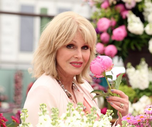 Patsy and Edina knock Kate Moss into the Thames in 'Absolutely Fabulous' trailer