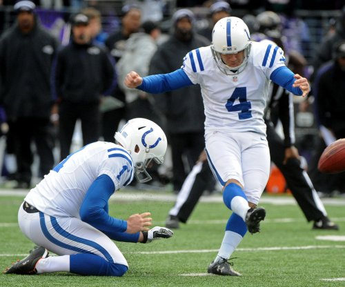 Adam Vinatieri, Indianapolis Colts leg out 29-23 victory over Chicago Bears