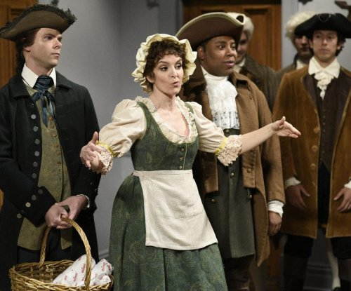 Tina Fey and Rachel Dratch return to 'SNL' for colonial Super Bowl sketch