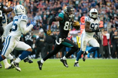 Hurns agrees to two-year deal with Cowboys