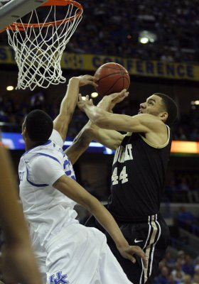 Vandy ends Kentucky streak in SEC tourney