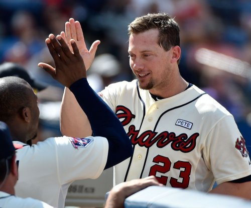 Johnson's 3 hits help Atlanta Braves edge Los Angeles Dodgers