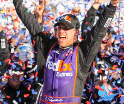 Denny Hamlin wins pole at Richmond