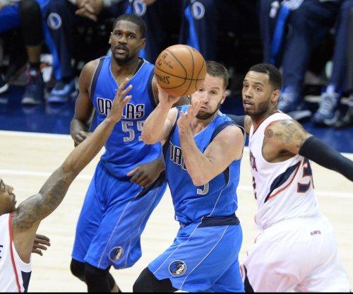 J.J. Barea provides 4th-quarter spark, Dallas Mavericks beat Brooklyn Nets