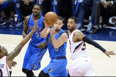 J.J. Barea provides 4th-quarter spark, Dallas Mavericks beat Brooklyn Nets