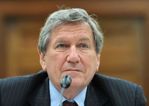 Key diplomat Holbrooke gravely ill