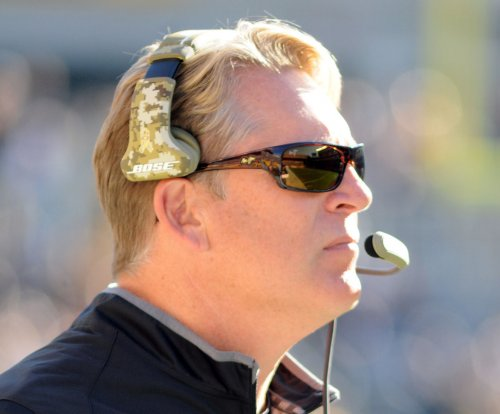 Jack Del Rio, Oakland Raiders forget last week, look ahead