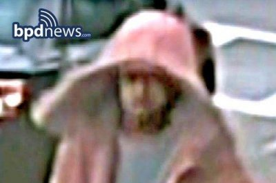 Boston Police seek suspected bomber, suspect image released