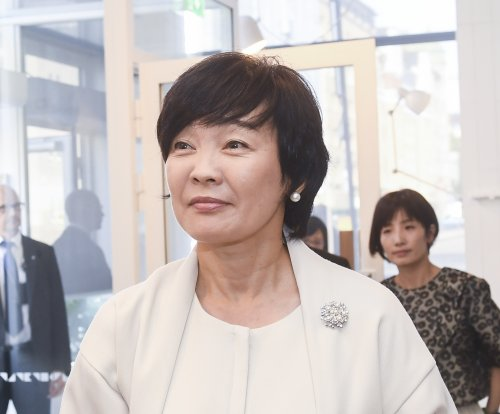 Politicians summon Akie Abe as Japan scandal grows