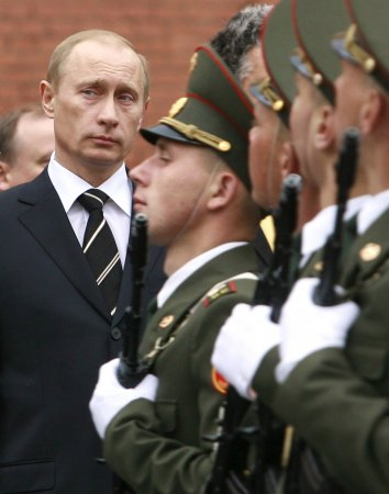 Russia denies troop advance on Ukraine amid new allegations of tank incursion