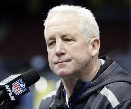 John Fox hired by Chicago Bears