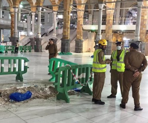 Saudi Binladin Group barred from taking new projects after crane crash in Mecca