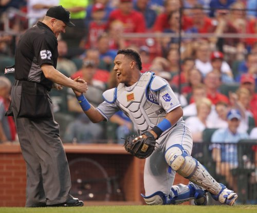 Salvador Perez contributes to Kansas City Royals' 5-3 win