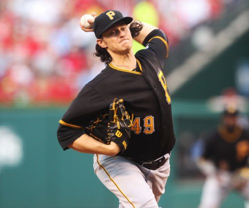 Miami Marlins reach deal with LHP Jeff Locke