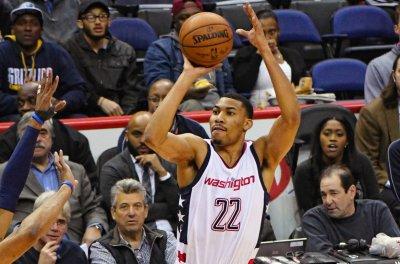 Otto Porter Jr. helps Washington Wizards steamroll Atlanta Hawks