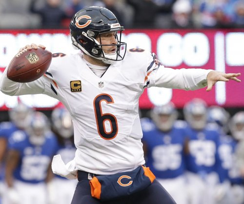 QB Jay Cutler remains hopeful he will find a team in 2017