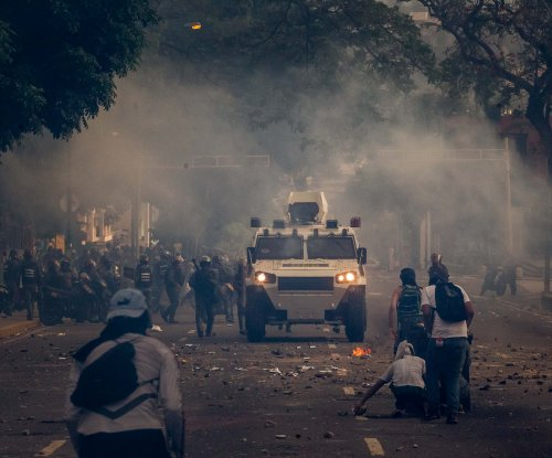 22-year-old Venezuelan burned in protest dies from injuries