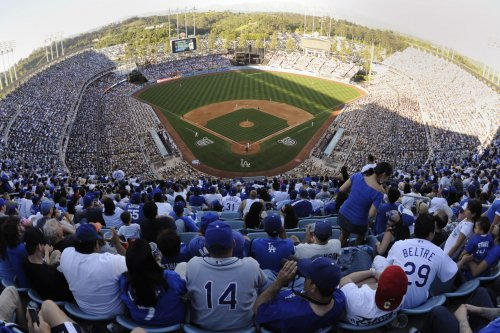 Fan brawl ensues at Los Angeles Dodgers, Angels game