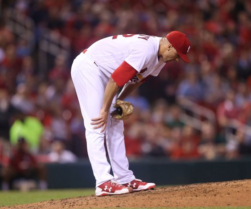 Cincinnati Reds put another dent in St. Louis Cardinals' playoff hopes