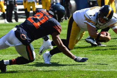 Chicago Bears safety Quintin Demps out indefinitely with broken arm