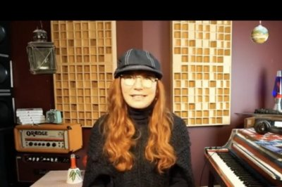 Tori Amos to release holiday EP 'Christmastide'