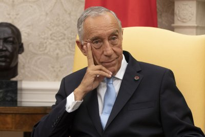 Portugal President Rebelo de Sousa tests COVID-19 positive