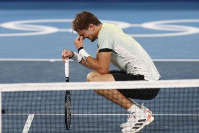 No gold for Djokovic at Olympics after he loses in semifinal stunner