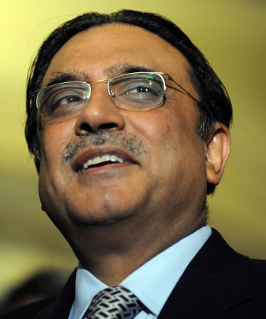 Report: Zardari on scheduled Dubai trip