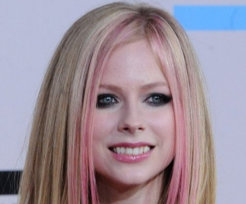 Avril Lavigne struggling with 'health issues'