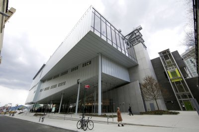 Whitney Museum debuts new building in meatpacking district