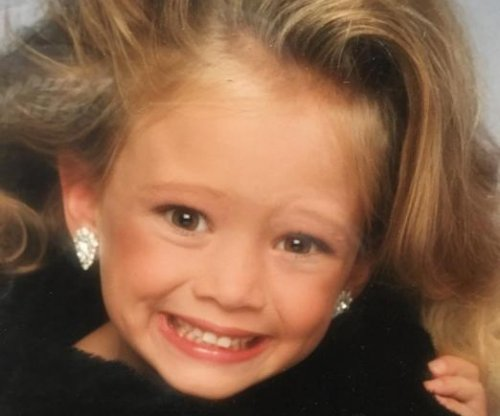 Hilary Duff shares glamour shot throwback photo