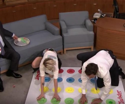 Kristen Stewart plays Jello Shot Twister on 'Tonight Show'