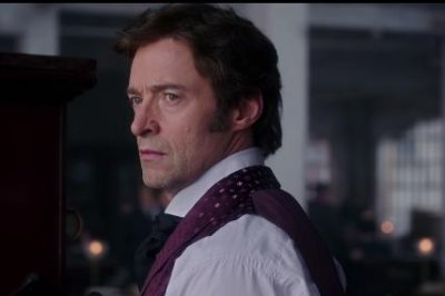 Hugh Jackman builds a circus in new 'Greatest Showman' trailer