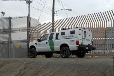 Border patrol agent accused of serial killings had 'numerous' weapons