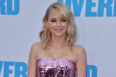 Anna Faris hopes to spend holidays with Chris Pratt