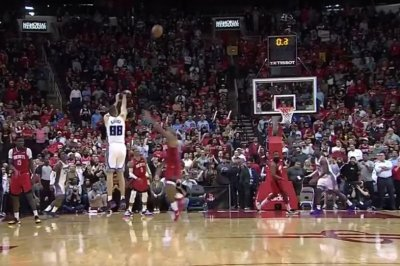 Kings' Nemanja Bjelica hits deep buzzer-beater to beat Rockets