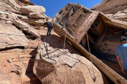 Family finds shipwrecked boat during fishing trip at Lake Powell