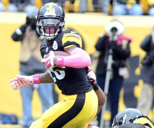 Steelers RB Le'Veon Bell out with knee injury