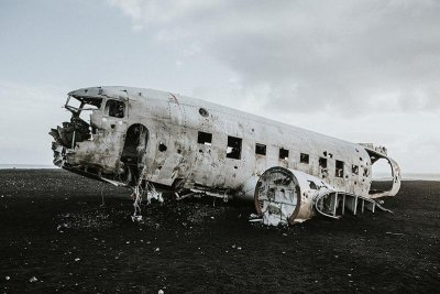 Bodies of two Chinese tourists found near popular Icelandic plane wreck site