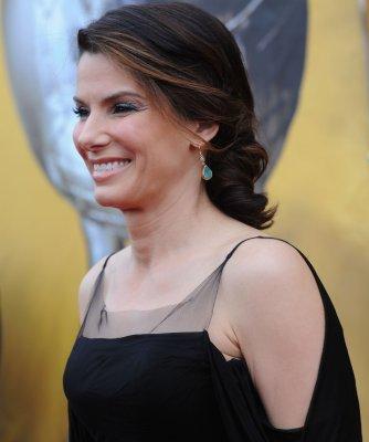 Bullock, Damon to be Oscar presenters