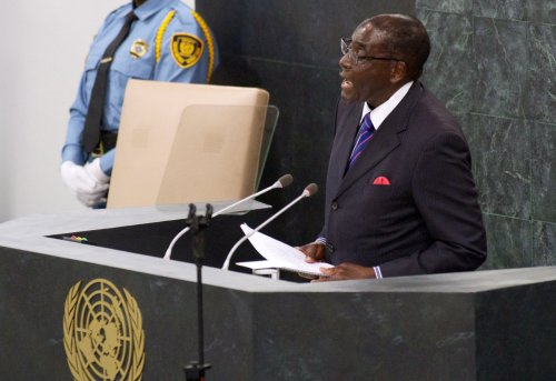 Zimbabwe's Mugabe demands a raise in pay